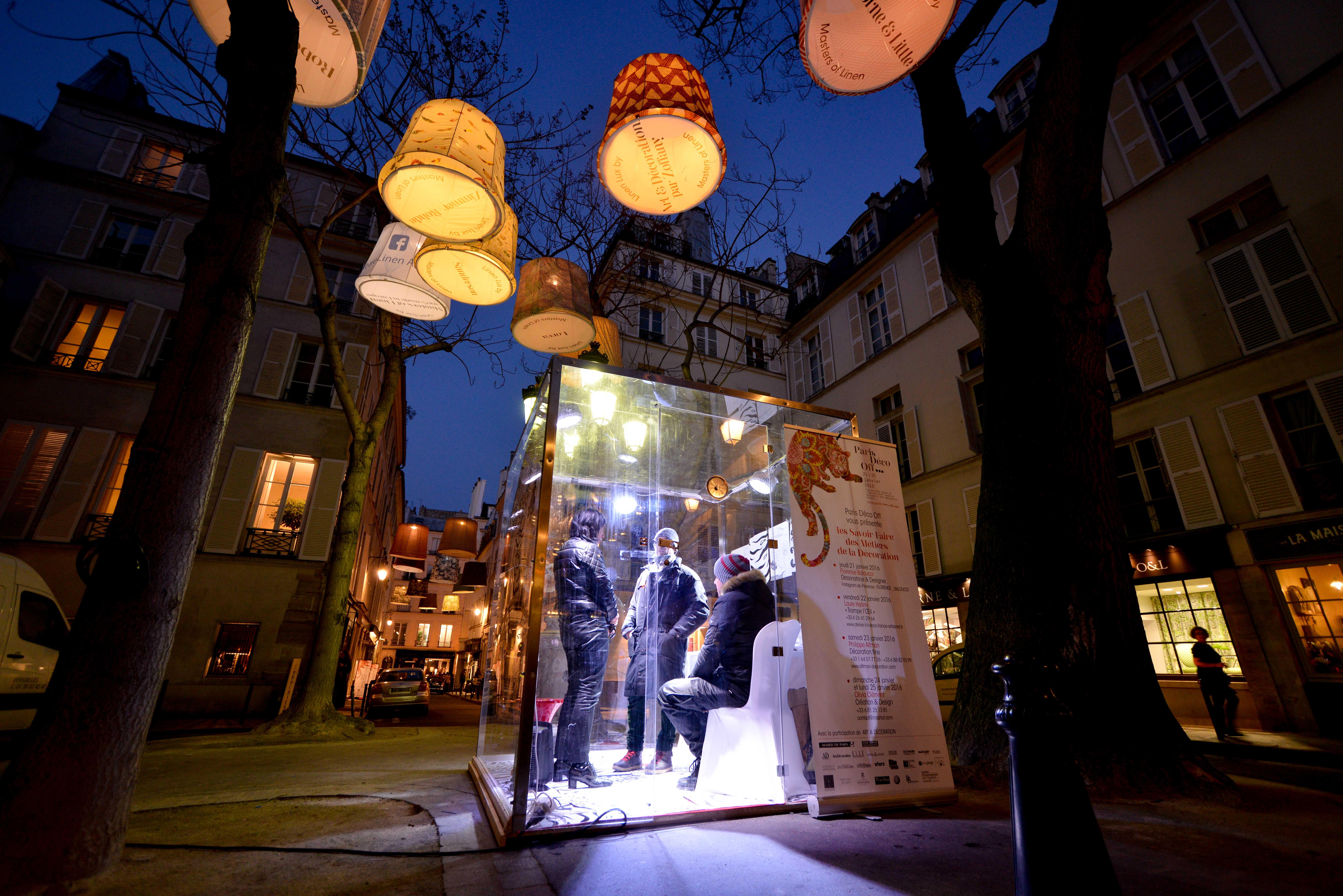 Paris déco off lights up design world